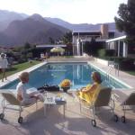Slim-Aarons-Poolside-Gossip1