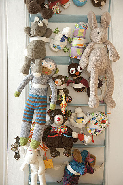 stuffed animal storage (Amanda Kingloff in Parents June 2011)