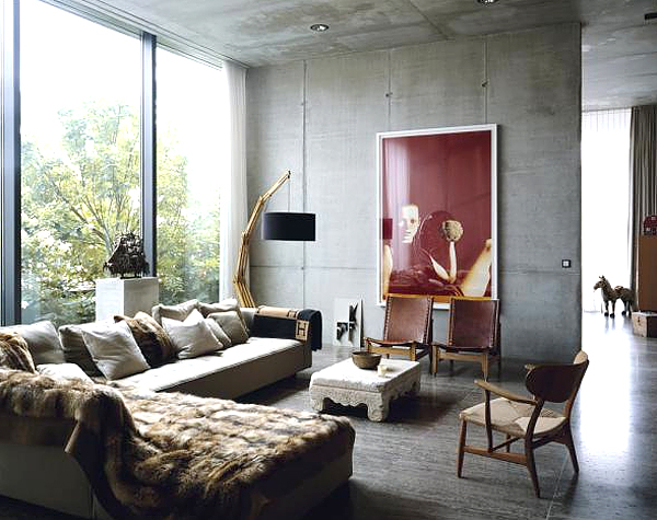 industrial-chic-living-room-concrete-fur-hermes