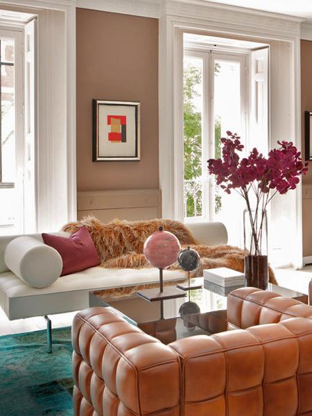 Living room inspiration euro sophisticate erika brechtel for Living room ideas elle decor