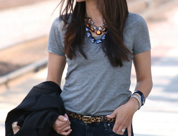 small-shop-gray-tee-skinny-jeans-leopard-belt-statement-necklace-tom-ford-elizabeth-james-blazer-side