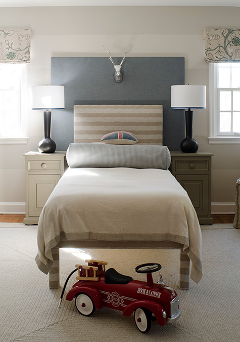 finnians-moon-dc-design-house-boys-room-blue-khaki-bed1