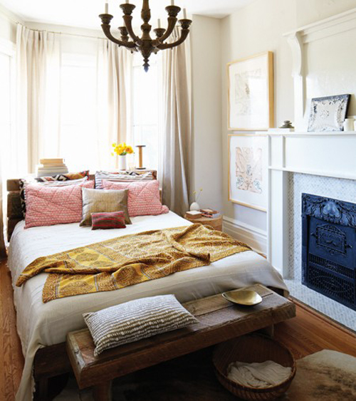 marion-house-book-bedroom-boho-fireplace-pillows-chandelier-rug-houseandhome-fall11