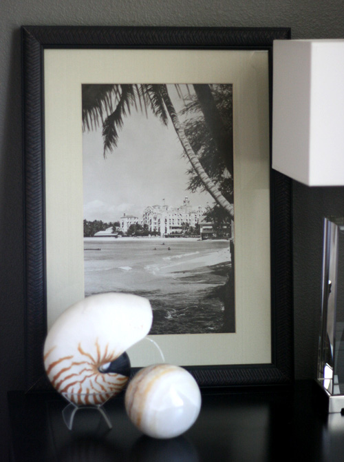 small shop details: royal hawaiian hotel vintage print