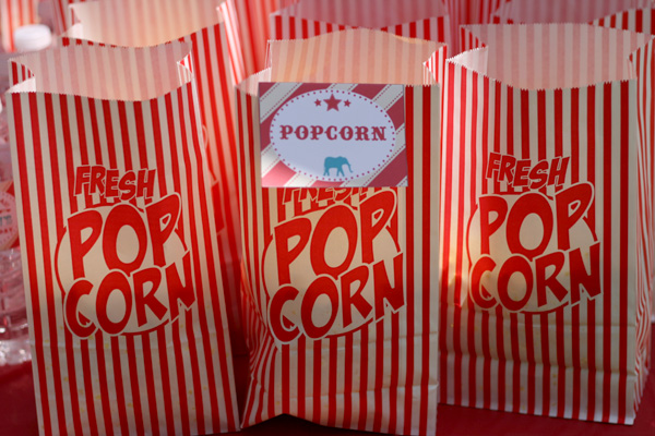 vintage circus birthday party: red white popcorn bags