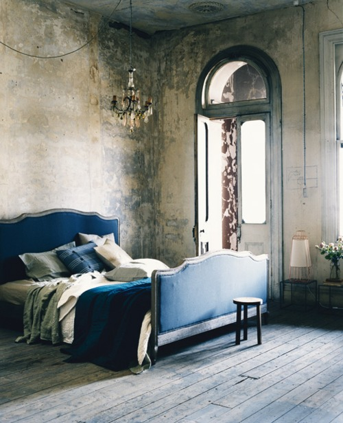 Indigo blue pillow obsessed erika brechtel for Dramatic beds