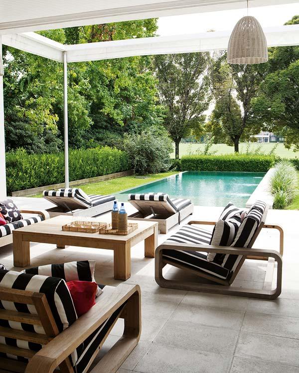 Exquisite estate en buenos aires erika brechtel for Outdoor poolside furniture
