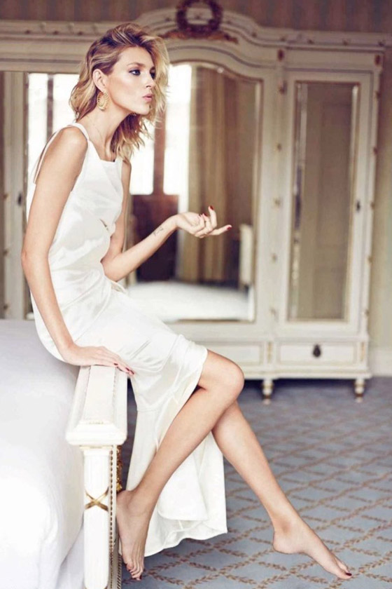 Anja-Rubik-by-Marcin-Tyszka-for-Vanity-Fair-Spain-white-Chanel-satin-gown