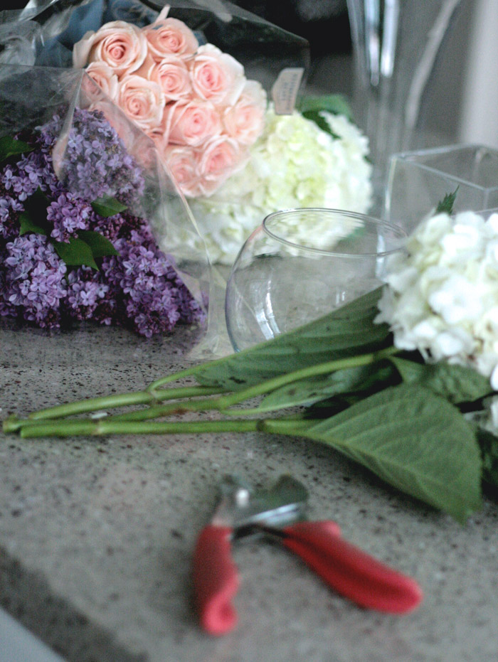 OC Family shoot Erika Brechtel behind the scenes prep fresh flowers lilac hydrangea roses
