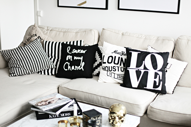 sealoe black white pillows Chanel