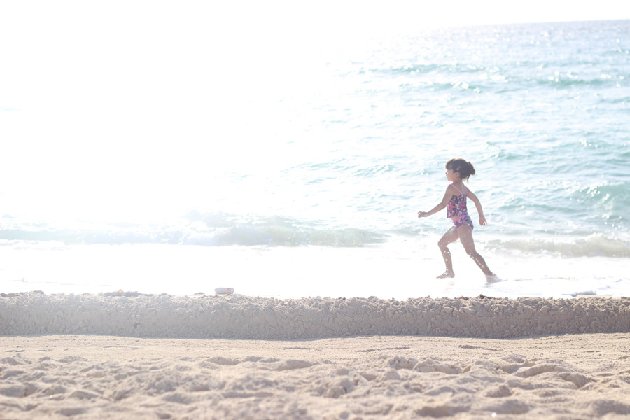 MIA-in-Miami-beach-Erika-Brechtel-daughter-running-morning-light