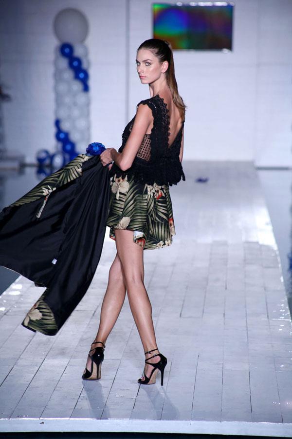 Miami-Swim-Week-Peroni-Emerging-Designers-show-2014-Valentina-Delfino