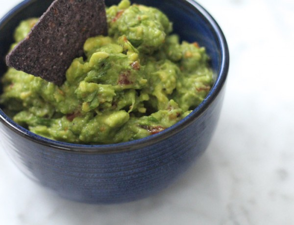 recipe Dos Caminos traditional guacamole photo by Erika Brechtel