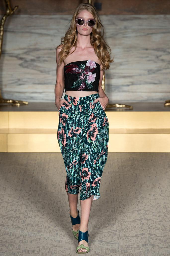 Matthew Williamson LFW Spring 2015 black floral tube top floral pants