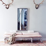 update classic in Madrid entry foyer rococo bench antlers turkish rug gray white pink