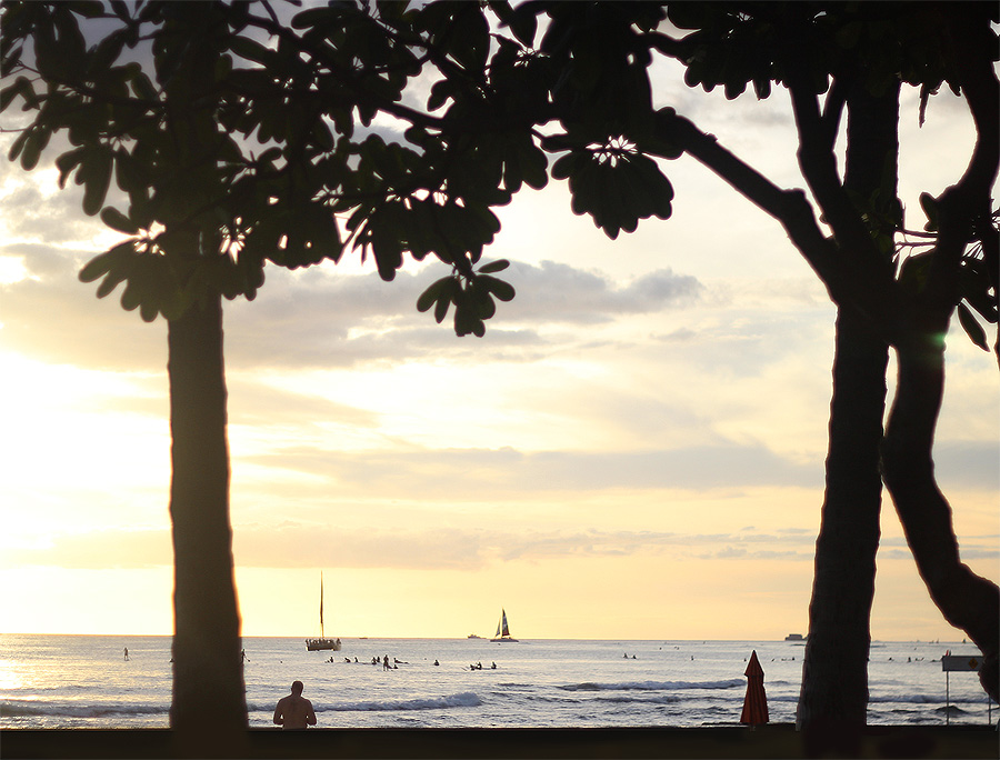 Hawaii fall getaway Erika Brechtel Waikiki Beach sunset