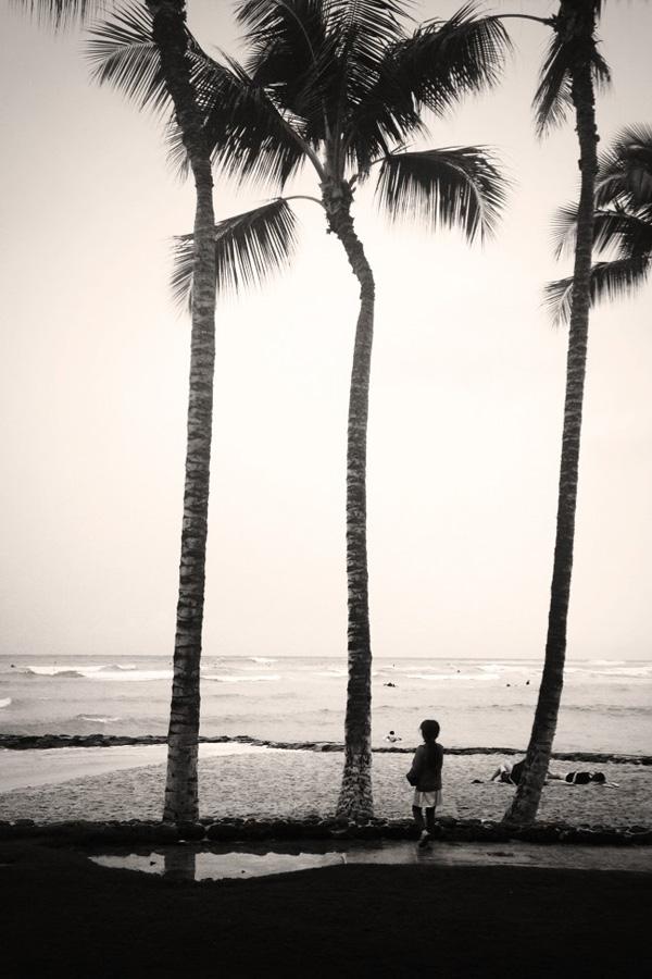 Hawaii fall getaway Erika Brechtel daughter Waikiki Beach Hurricane Ana waves