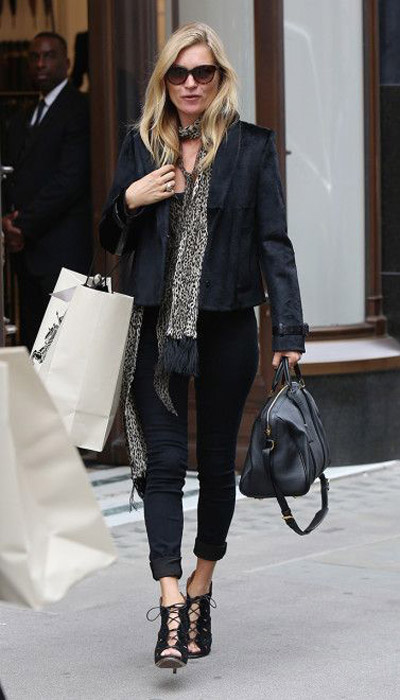 kate moss black jeans lace up sandals black tux jacket leopard scarf