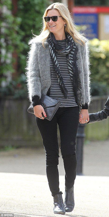kate moss black jeans striped tee gray fur
