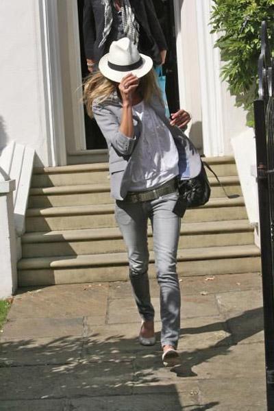 kate moss gray jeans flats panama hat gray blazer