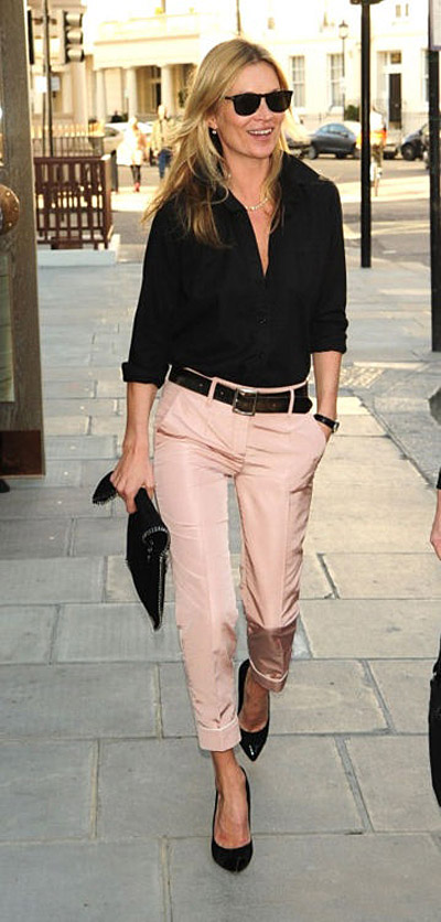 kate moss peach silk pants black blouse heels