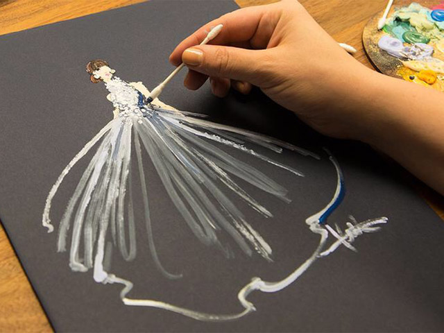 Paper Fashion Katie Rogers Oscars 2015 Q-tips illustration Felicity Jones Alexander McQueen dress process