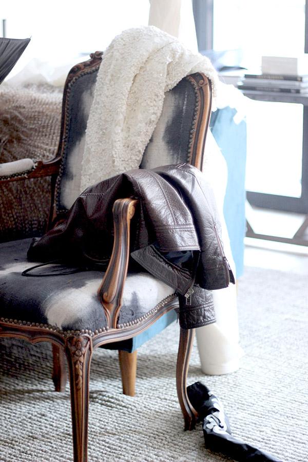 Erika Brechtel BTS HOTR NYC shoot Rent Patina tie dye chair