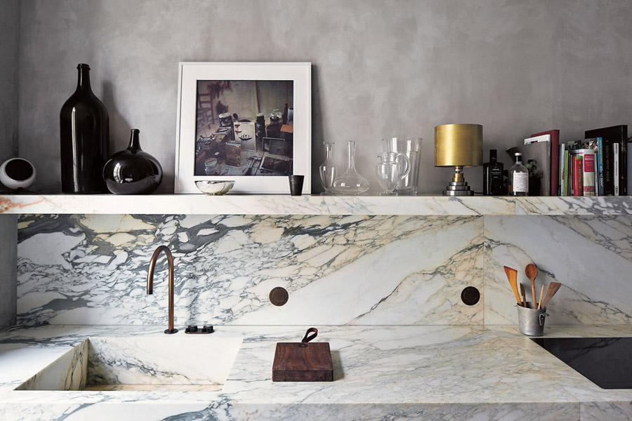 Joseph Dirand Parisian minimalist apt kitchen marble open shelf