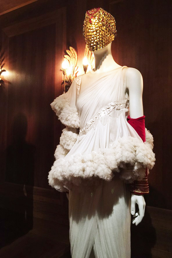 Alexander McQueen Savage Beauty Victoria and Albert Museum Romantic Nationalism white gauze dress red sleeve