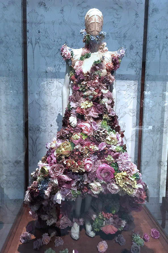 Alexander McQueen Savage Beauty Victoria and Albert Museum Romantic Naturalism flower dress