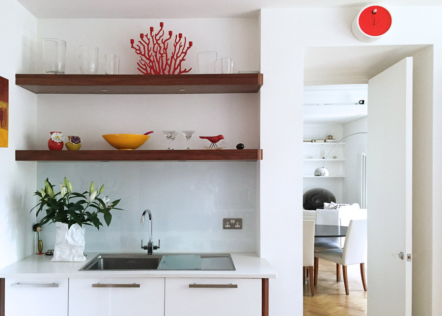 art flat Kensington London Unity Cantwell 09 kitchen gloss white cabinets wood shelves