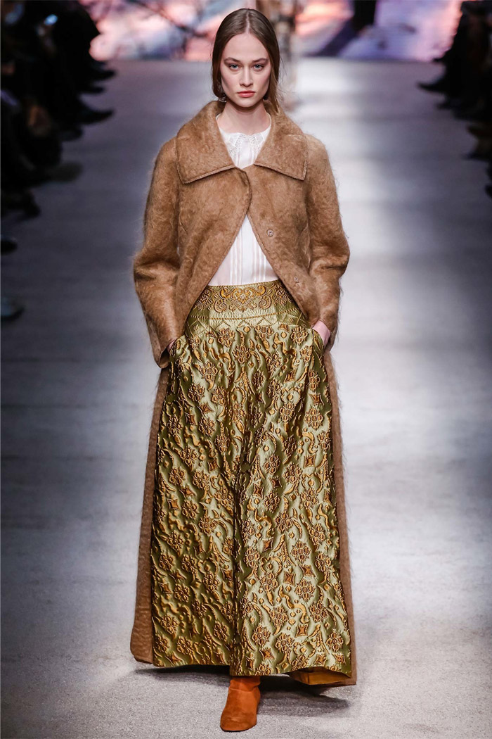 Front Row Forecast Jolie Smith AW15 color trends Alberta Ferretti desert sage