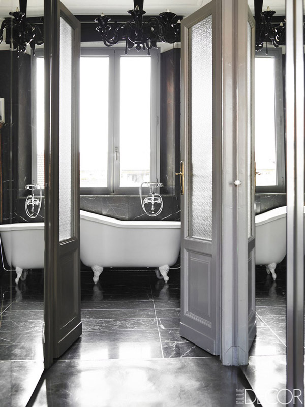 Alessandro Dell'Acqua Milan home bathroom white claw foot tub black vintage chandelier Nero Marquina marble walls floors