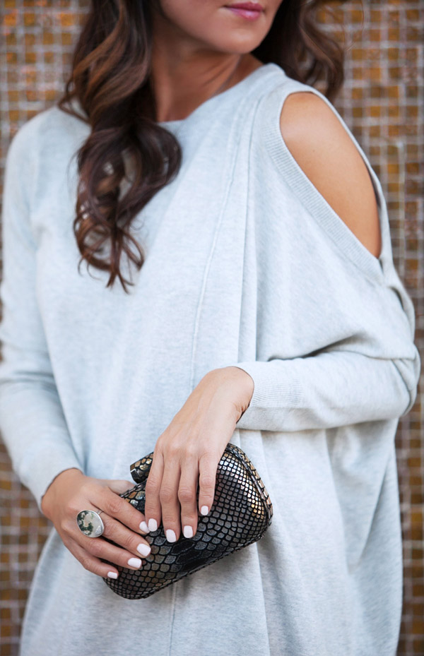 sweater dress OOTD Erika Brechtel evening look python clutch 3