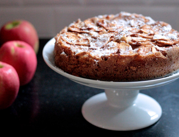 The Mix with Yuki German Apple Cake recipe powered sugar