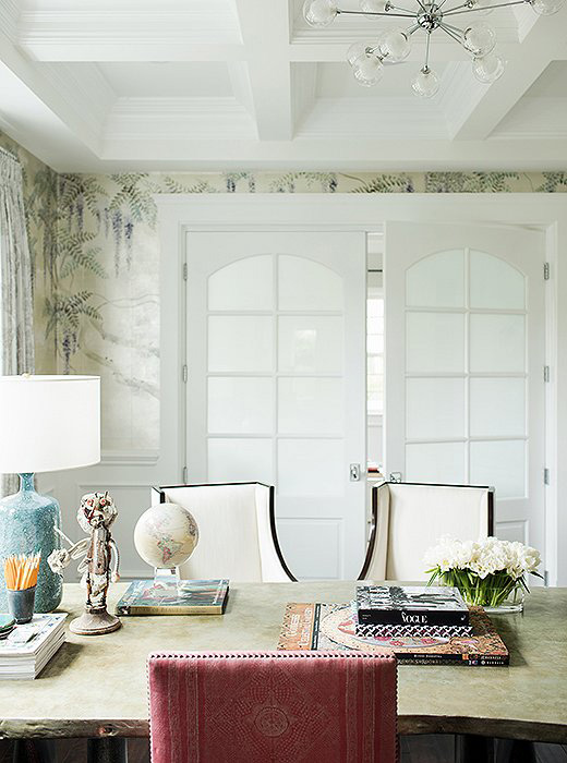 Rachel Roy home office OKL photo by Joe Schmelzer de Gournay wallpaper sputnik pendant