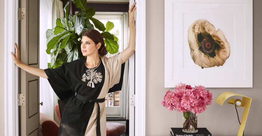 Marisa Tomei NYC apt photo by Douglas Friedman vintage eclectic feat