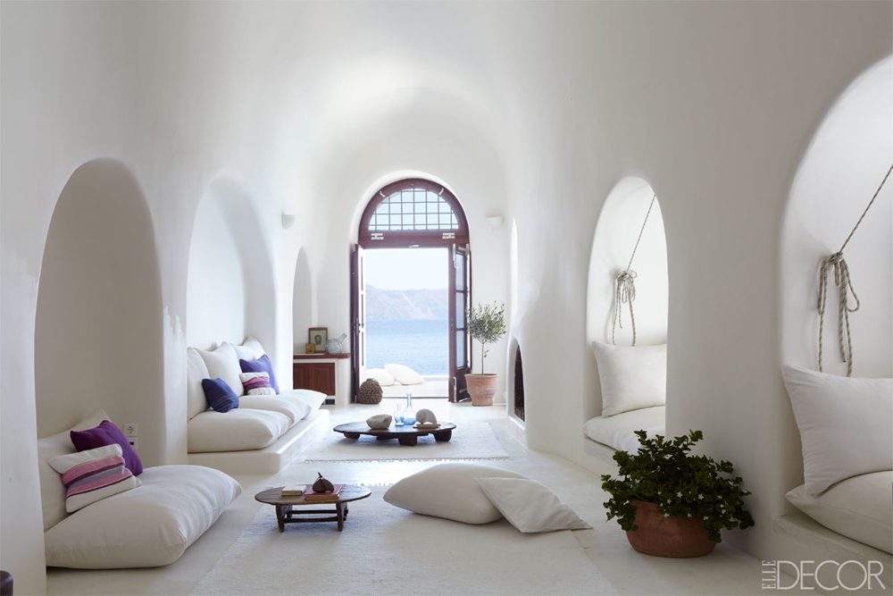 Greek isle tour cycladic minimalism erika brechtel for Minimalist bedroom tour