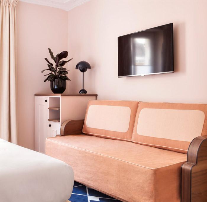 Pretty in paris hotel bienvenue erika brechtel - Deco room oranje ...